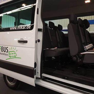 Neuer Carsharing 9-Sitzer Bus